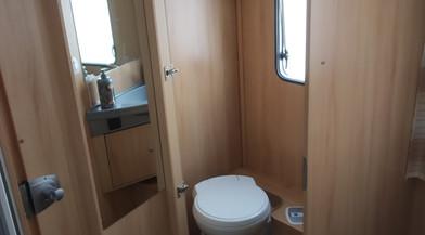 Toilette Mietwohnmobil Sunlight T69.jpg