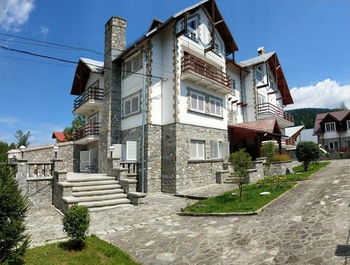 Artists House Bușteni02.JPG