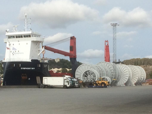 Cargo of reels discharged during the weekend with ships cranes