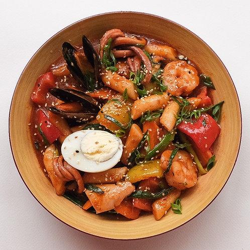 ТОКПОККИ (Рисовые клёцки с морепродуктами)