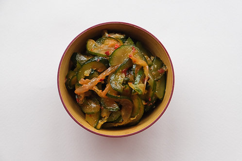 Салат из огурцов Вече