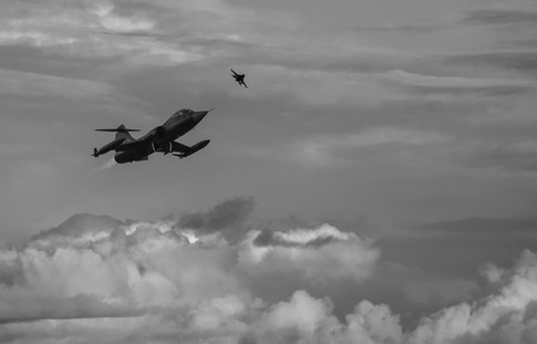 F-104 airborne.jpg