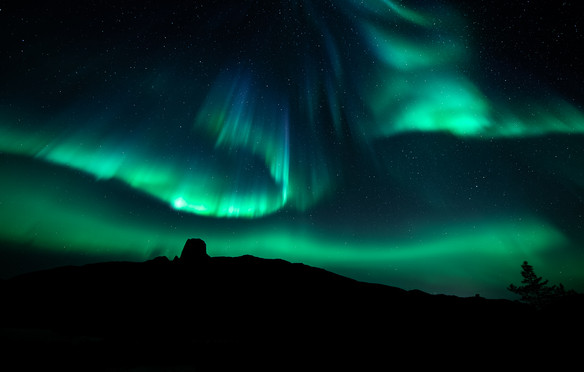 Auroras over Steigtind.jpg