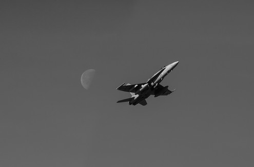 Fly me to the moon - F18.jpg