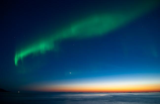 Auroras over Lofoten seen from Mjelle.jp
