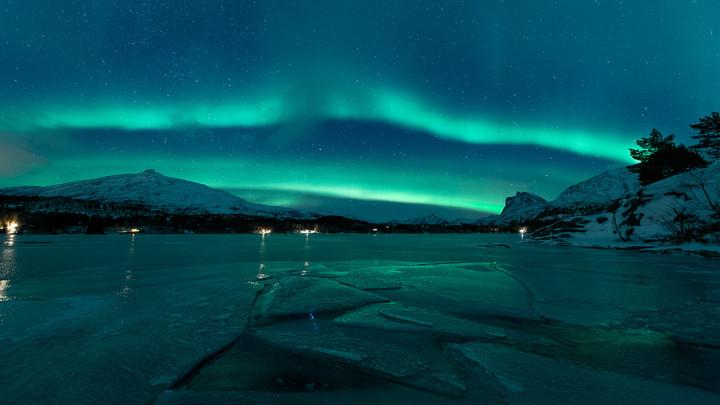 Auroras over Vatnvatnet.jpg