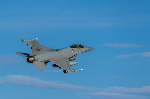 F16 heading out.jpg