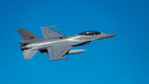 F16 blue skies.jpg