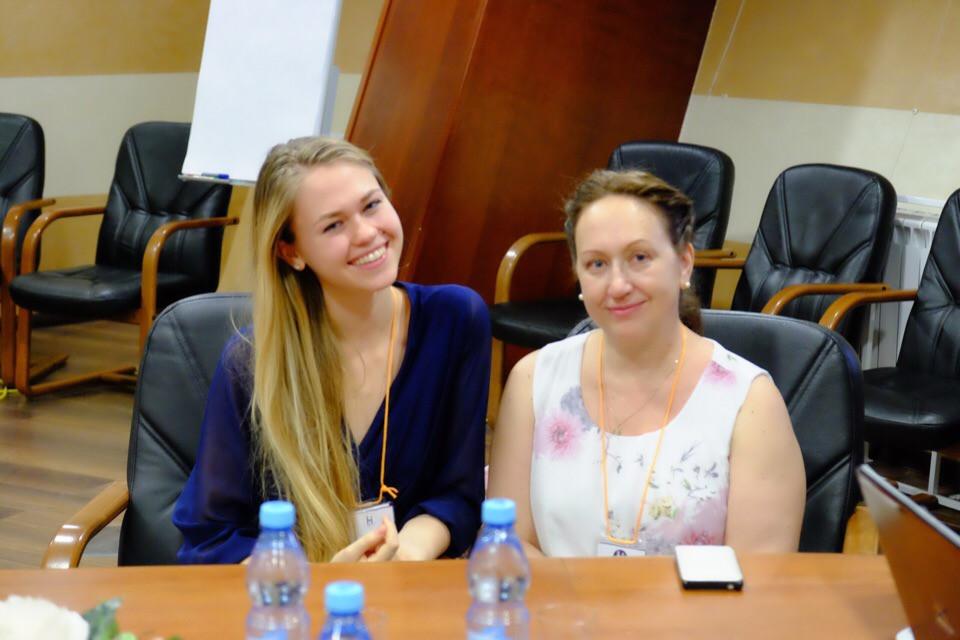 Наставник Ирина Рыжухина и студентка МГИМО Екатерина Мицкевич
