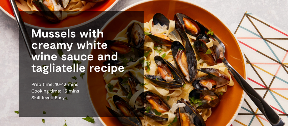 MUSSELS WITH CREAMY WHITE WINE SAUCE AND TAGLIATELLE