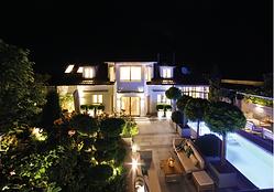 Garten mit Pool Nacht.PNG