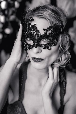 boudoir woman lace mask