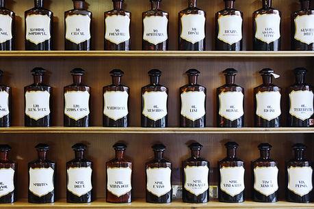homeopatik şişeler