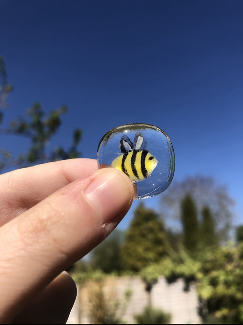 Bee Badge 🐝