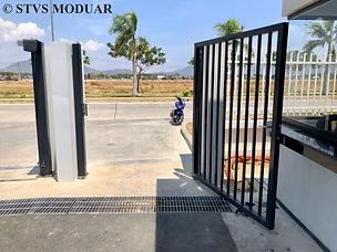 STVS Modular - VREC factory gate 5.jpg