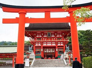 kyoto-fushimi-inari-temple-saavedra-1.jp