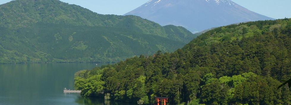 12. Lake Ashi and Mt. Fuji.jpg