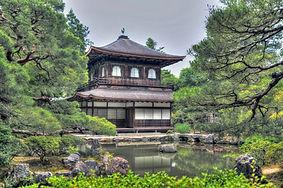 ginkaku-ji-temple-1464542_1920.jpg
