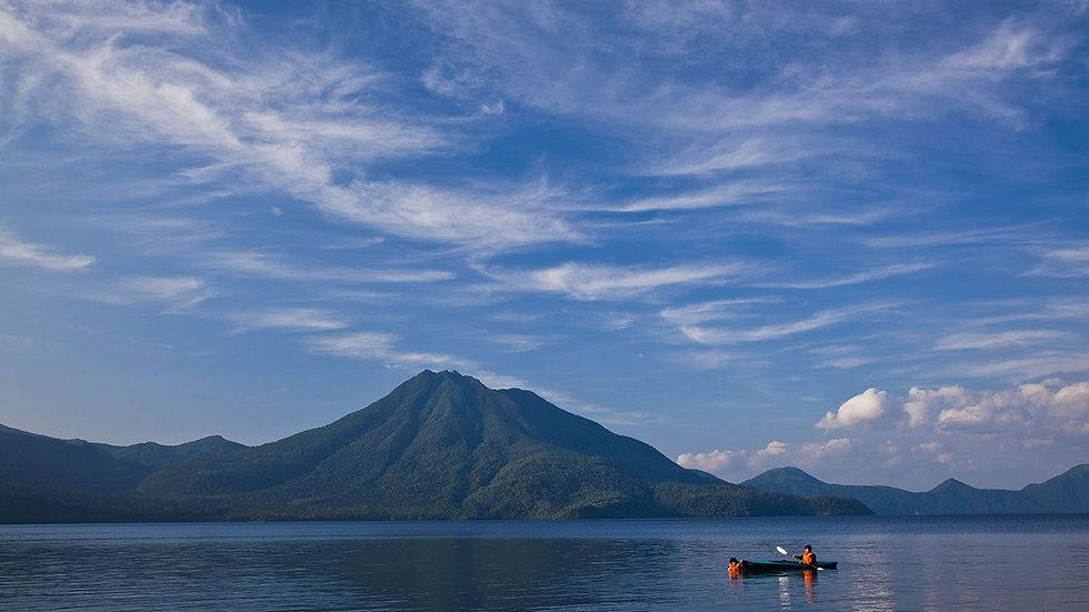 Hokkaido 1-Day Sightseeing Taxi Plan - Lake Shikotsu & Lake Toya(Midsize Car)
