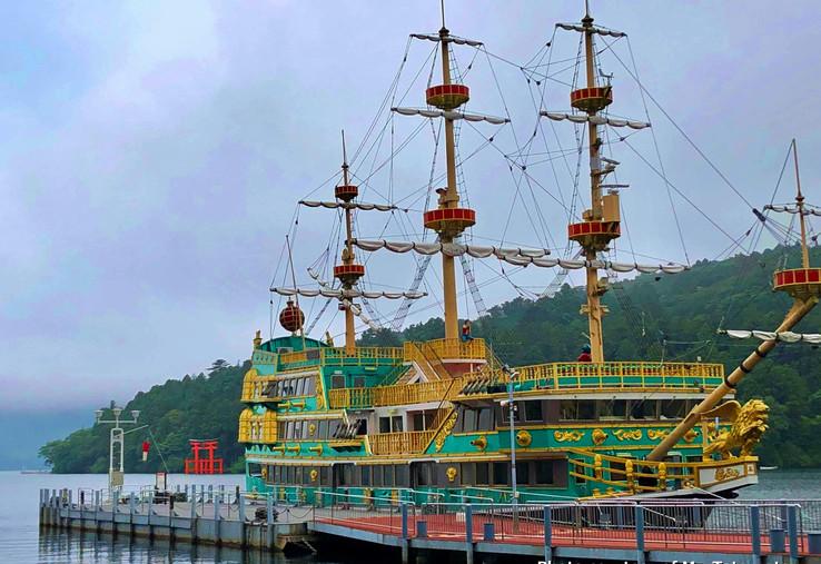 11. Pirate Ship in Lake Ashi.jpg