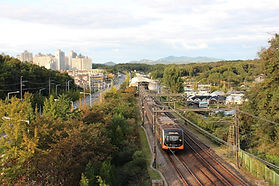train-3266794_1920.jpg
