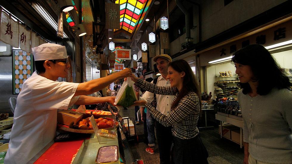 NISHIKI Food Market, SAKE Tasting, & Rolled Sushi Cooking Tour