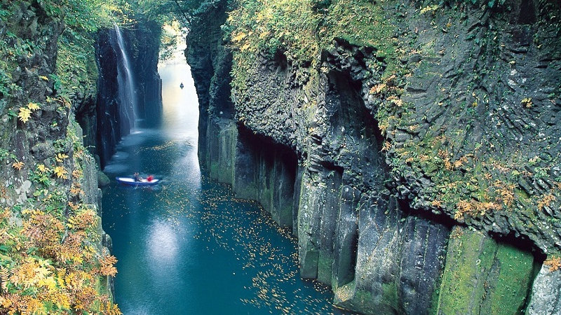 Kyushu Spring Tour 8 Days