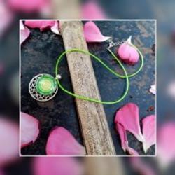 collier vert et étoile