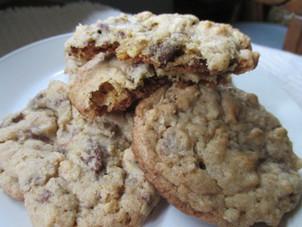 Crispy Chocolate Chip Crunch Oatmeal Cookies