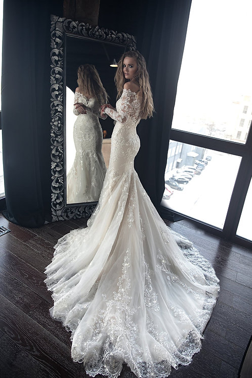 Mermaid wedding dress OB7962M by Olivia Bottega, memaid with lace and trail.