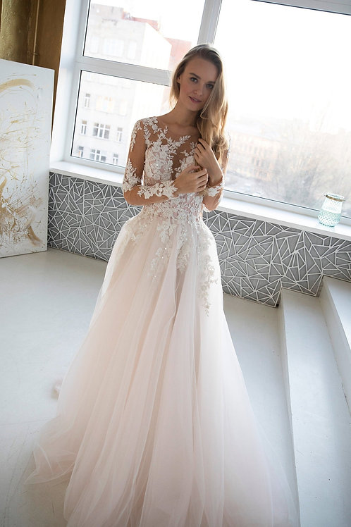 Tulle wedding dress Urika with flowers lace makes a beautiful thin waist, Illusion long lace sleeves Back with Buttons and so