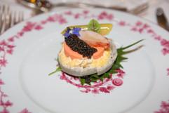 La mousseline de homard, sur fond d'artichaut et caviar de Neuvic