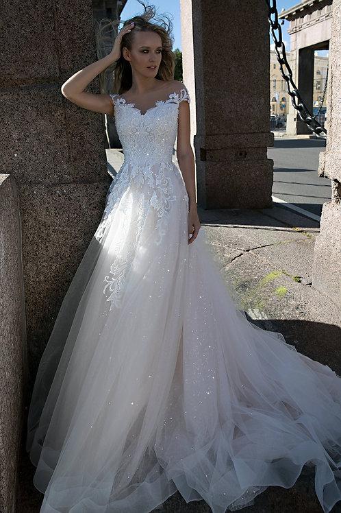 A line wedding dress Feily by Olivia Bottega. V neck wedding dress. Lace wedding dress.