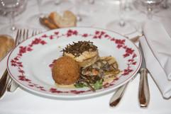 La poularde de Bresse rôtie en cocotte à la tuber uncinatum dite truffe de Bourgogne