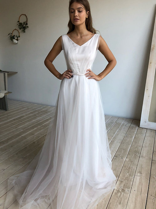 A-line wedding dress Rouby. laconic light minimalist wedding dress. Draping tulle on silk and light tulle skirt.
