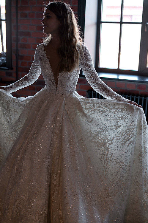 Wedding dress Indjoy dress by Olivia Bottega. Ball wedding dress. With sparkly glitter. With long a sleeves.