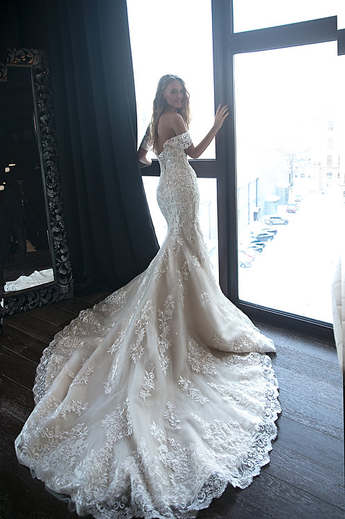 Wedding dress OB7970