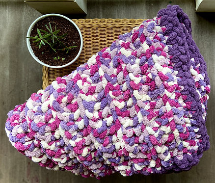 Berry Chunky Knit Blanket