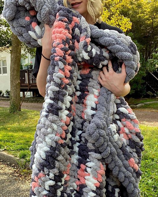 Chunky Knit Large Blanket with Border