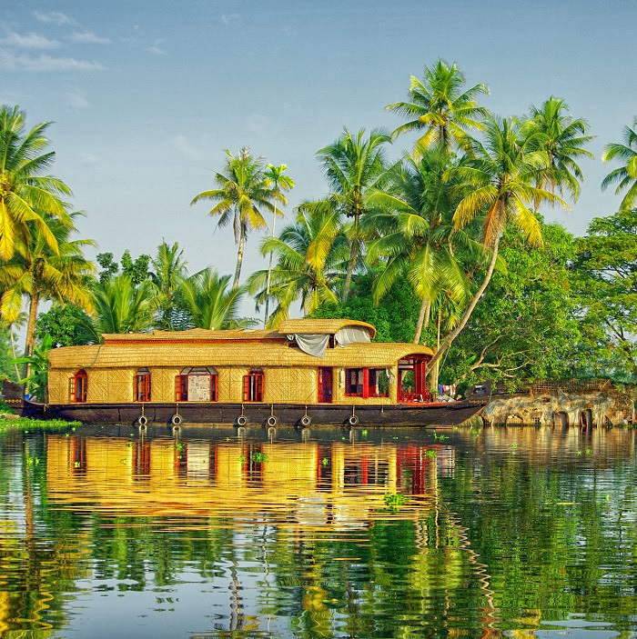 Classic Kettuvallam Boat - Kerala