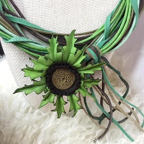 Eguzkilore Cuero Collar