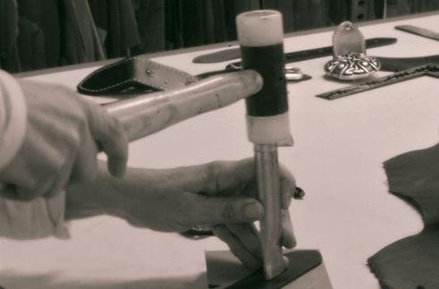 RedMasai marca bolsos y accesorios de cuero.Taller Artesania Cuero Diseño Bolsos y Complementos Piel Cuero Calidad  Venta Online