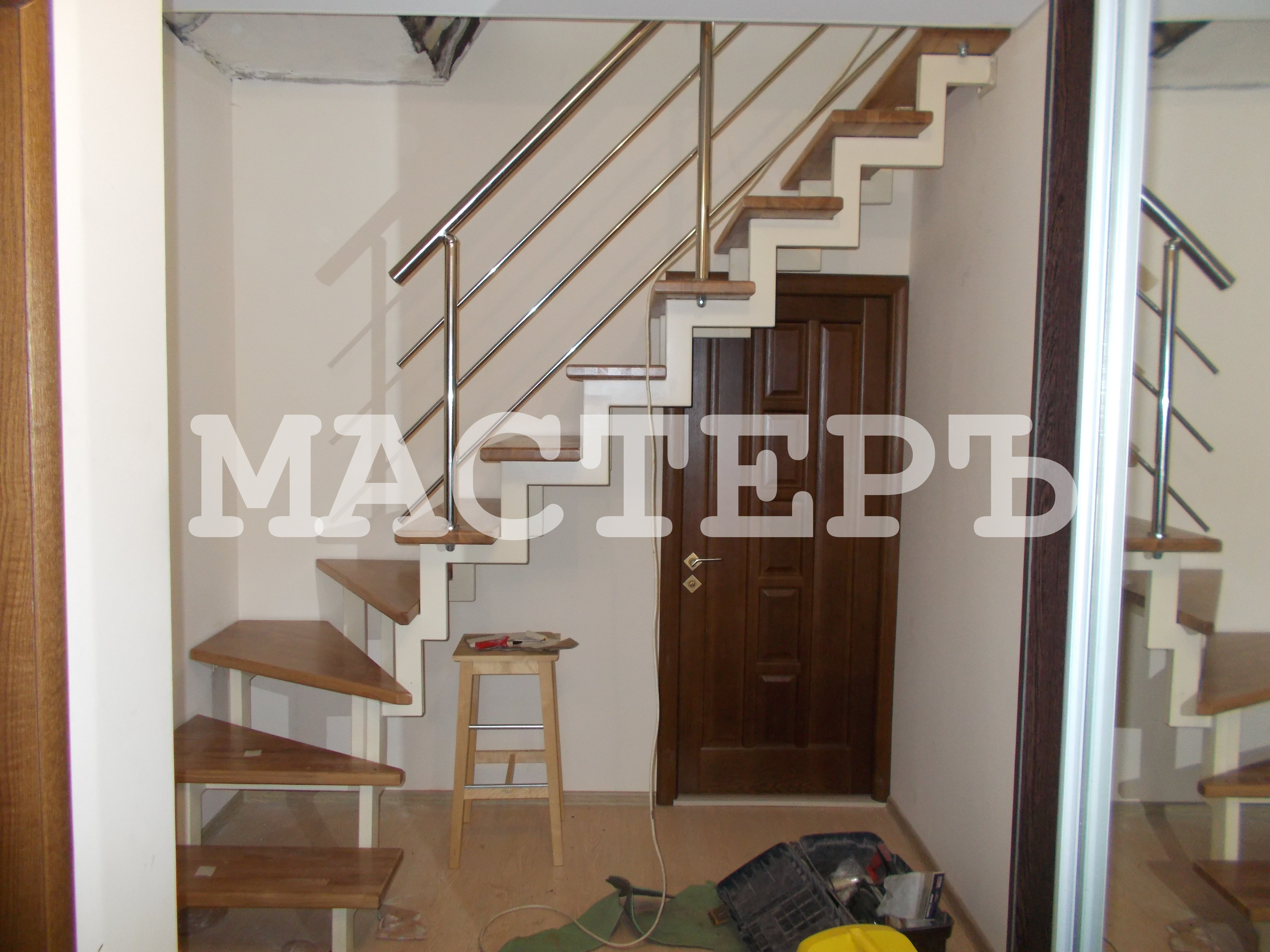 Лестница в коттедж