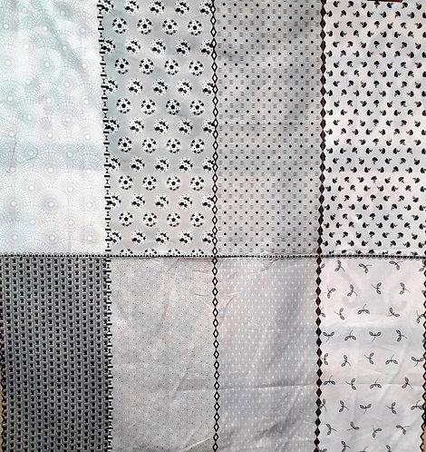 Paper Daisies - by Riley Blake/grey