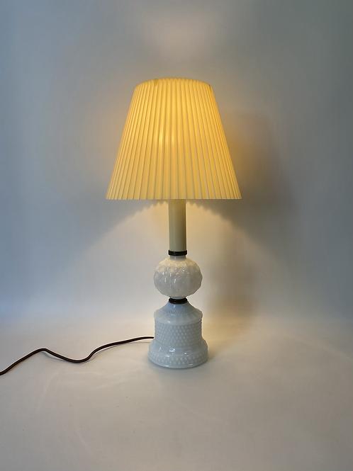 Lampe de Table Vintage - Vintage Milk Glass Table Lamp