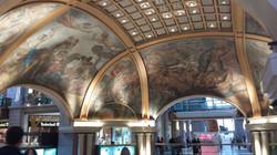 Plafond d'un centre commercial