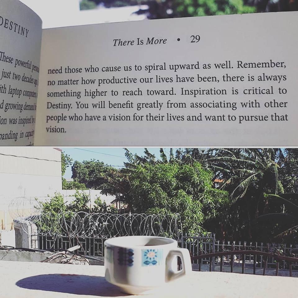 Tasse de thé matinale; une des photos que Sylberte publiait au quotidien pendant son voyage.