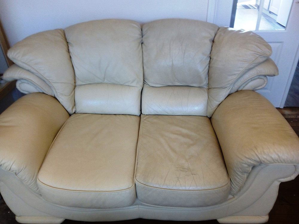Cleaning a Leather upholster in Hull