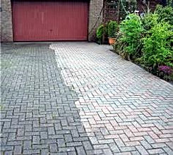 Cleaning A driveway with power washers in Hull