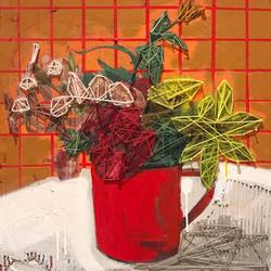 Fleurs dans la tasse en metal rouge, les dernières avant l'hiver